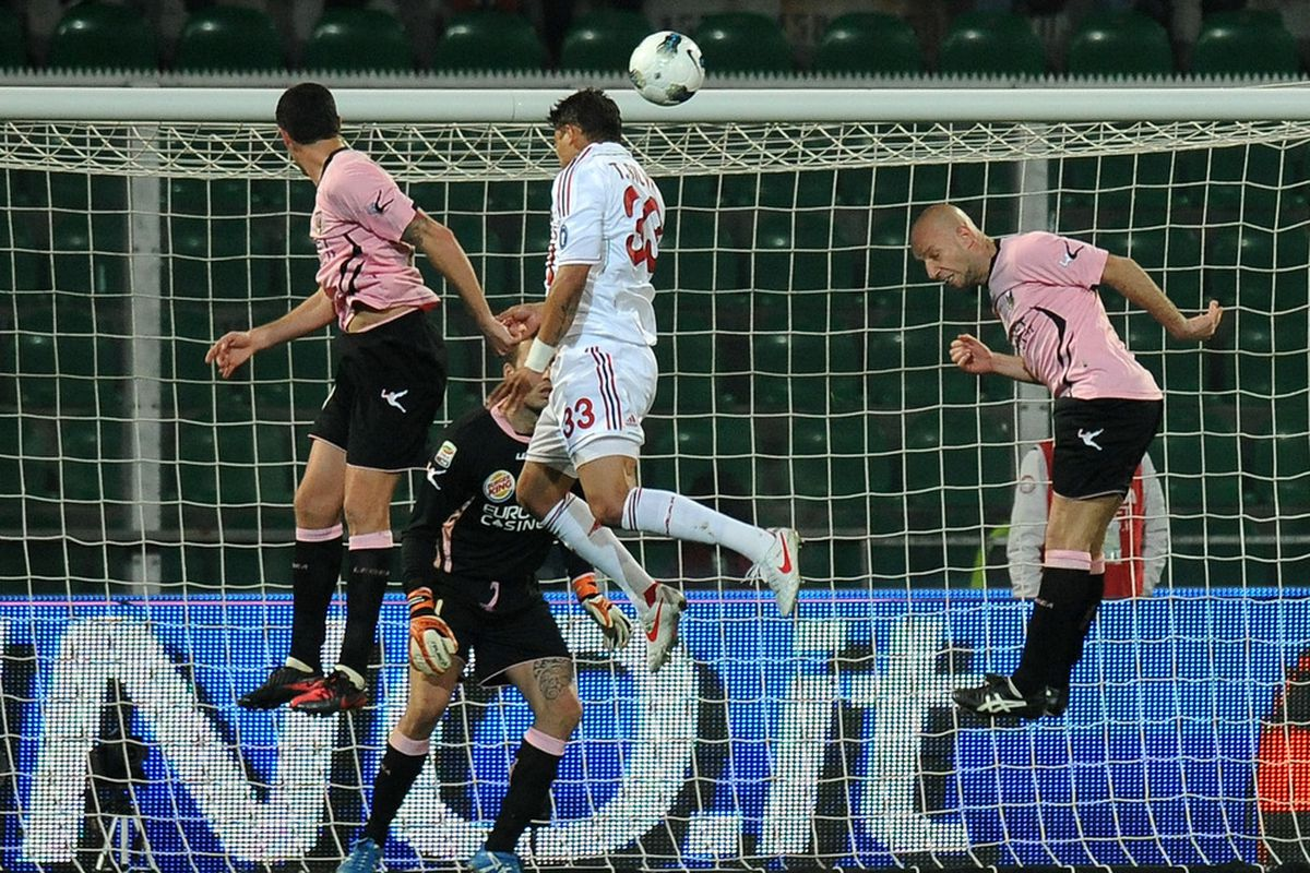 PALERMO, ITALY - MARCH 03:  Thiago Silva of Milan scores hos team's fourth goal during the Serie A match between US Citta di Palermo and AC Milan at Stadio Renzo Barbera on March 3, 2012 in Palermo, Italy.  (Photo by Tullio M. Puglia/Getty Images)