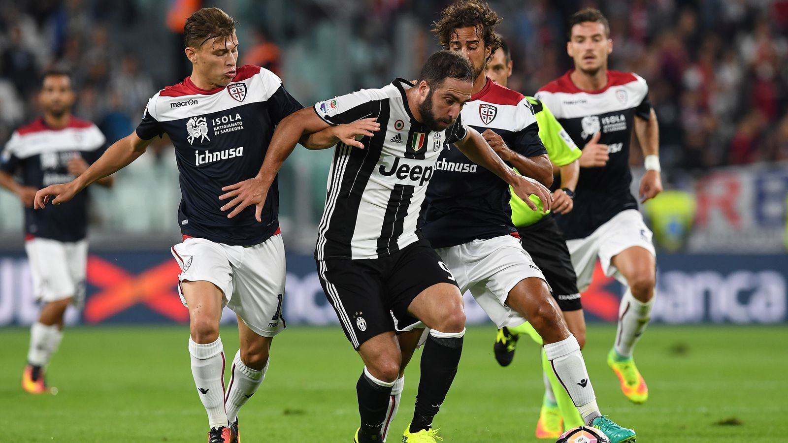juventus vs cagliari match preview time tv schedule and how to watch the serie a black. Black Bedroom Furniture Sets. Home Design Ideas