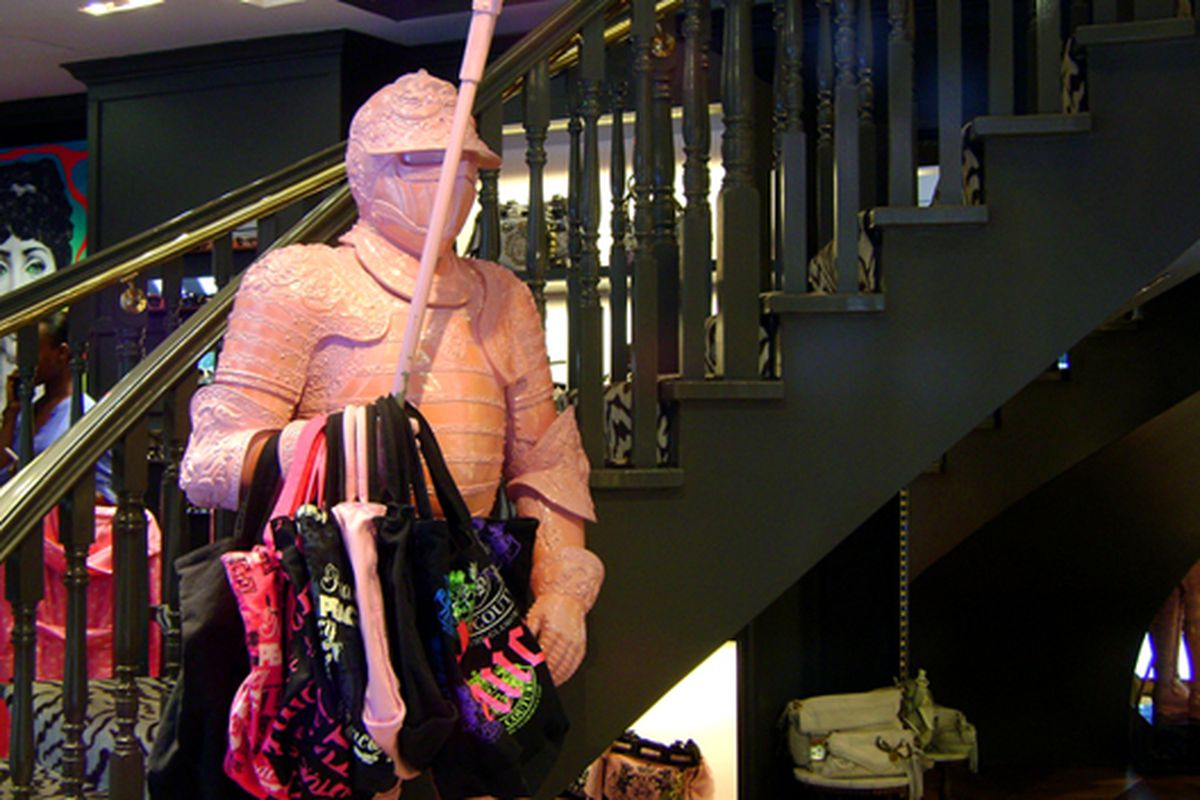 """Sir Tote Bag in the Upper East Side's Juicy Couture.  Via <a href=""""http://www.flickr.com/photos/jetsetcd/3862975581/in/pool-rackedny"""">Jetsetcd</a>/Racked Flickr Pool"""