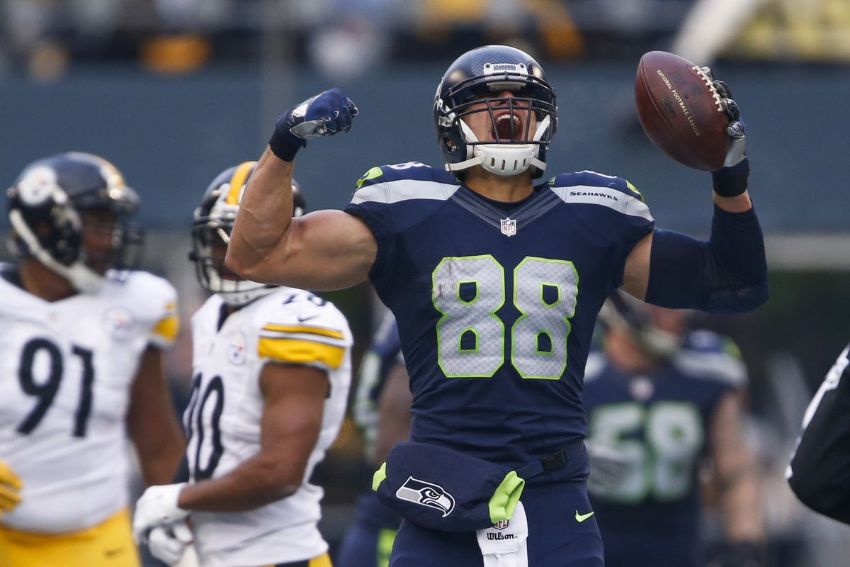973091911b4 Jimmy Graham injury: Should the Seahawks keep him as the highest-paid TE in  the NFL?