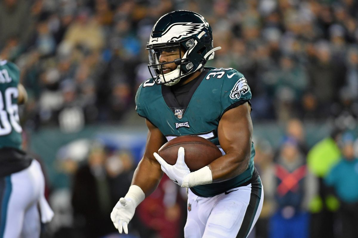 Philadelphia Eagles running back Boston Scott carries the football against the New England Patriots at Lincoln Financial Field.