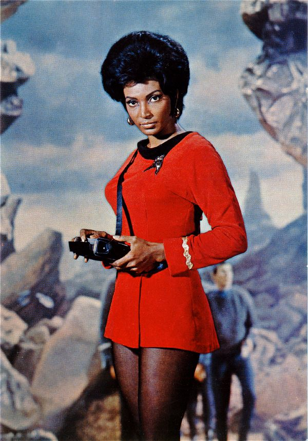 Nichelle Nichols as Uhura in a publicity photo for Star Trek: The Original Series.