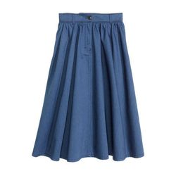 "<b>H&M</b> Denim Skirt, <a href=""http://www.hm.com/us/product/27158?article=27158-A"">$59.95</a>"