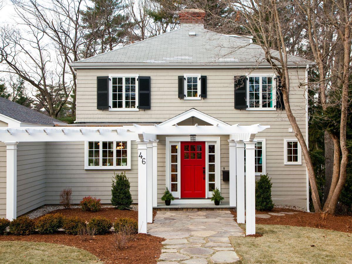 Season 32 - Auburndale house exterior