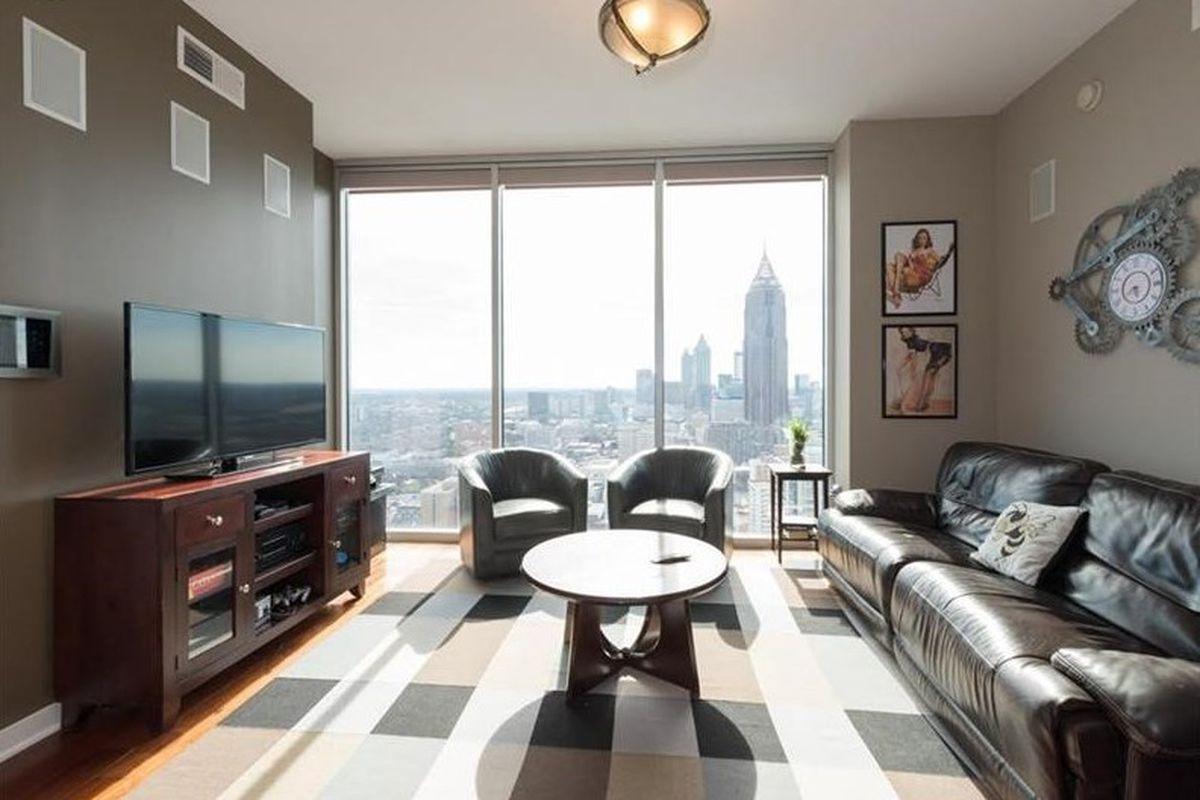 Upgraded $450K Midtown Atlanta condo lands contract in a flash ...