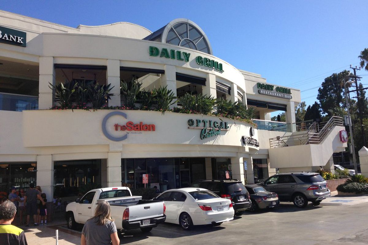 Studio City's Defunct Daily Grill Returns This Summer as