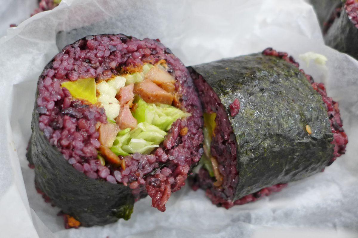 Purple sticky rice roll at Jiang Xin Fan Tuan