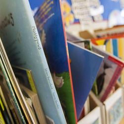 Books sit on a shelf in Stacey Johnsen's second-grade class at Daybreak Elementary School on Monday, Feb. 25, 2013. HB318, sponsored by Rep. Becky Edwards, R-North Salt Lake, would set class-size caps at 20 students for kindergarten, 22 for first and second grades, and 24 for the third grade.
