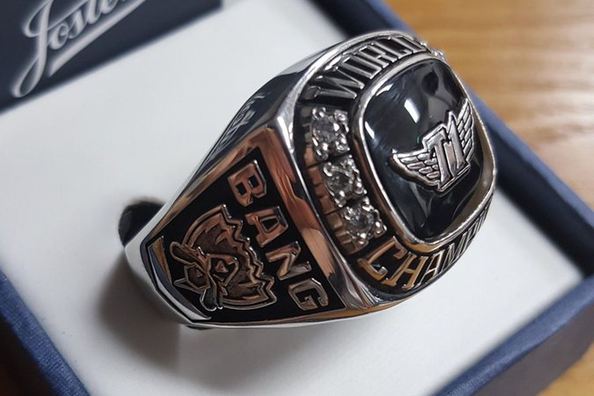 riot gifts pro league players world championship rings