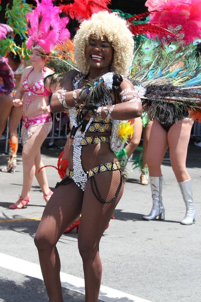 Carnaval parade in the Mission District, 2016.
