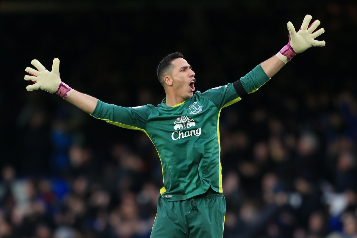 Football - Premier League - Everton v Manchester City
