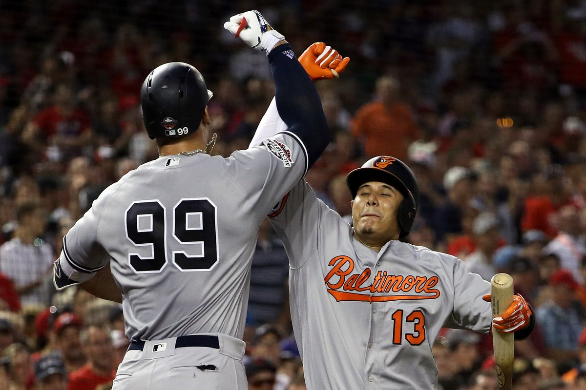 Manny Machado is the top free agent this winter and the Yankees should grab him while they can.