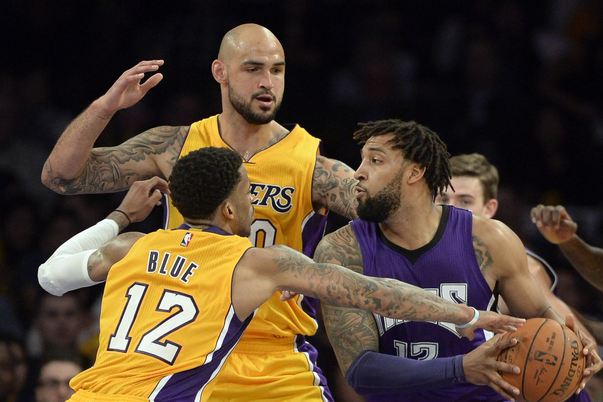 424dde75486 Robert Sacre may have peaked but Lakers should keep him as an 'emergency'  center