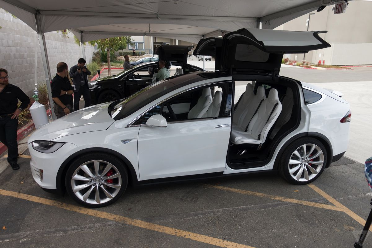 a customer was so annoying that tesla decided not to sell him a car the verge. Black Bedroom Furniture Sets. Home Design Ideas