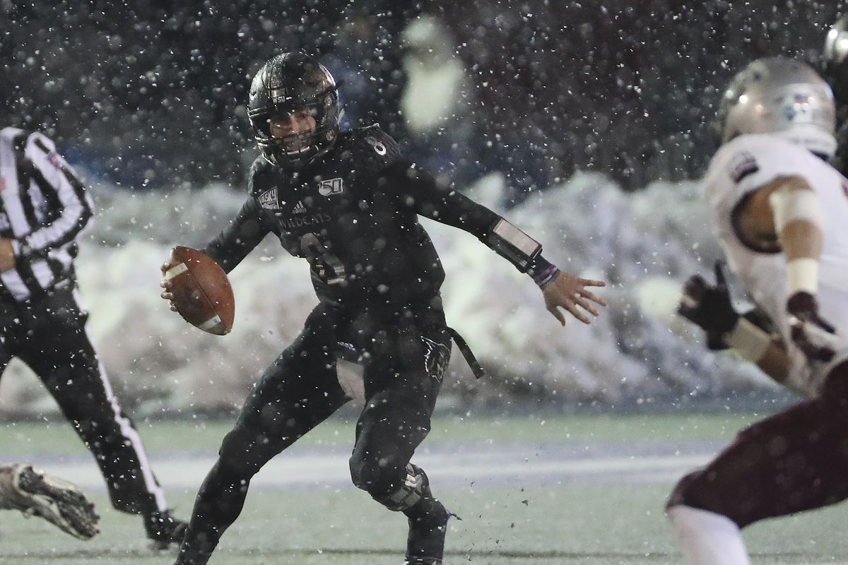 Weber State makes school history, beats Montana 17-10 to advance to FCS semifinals