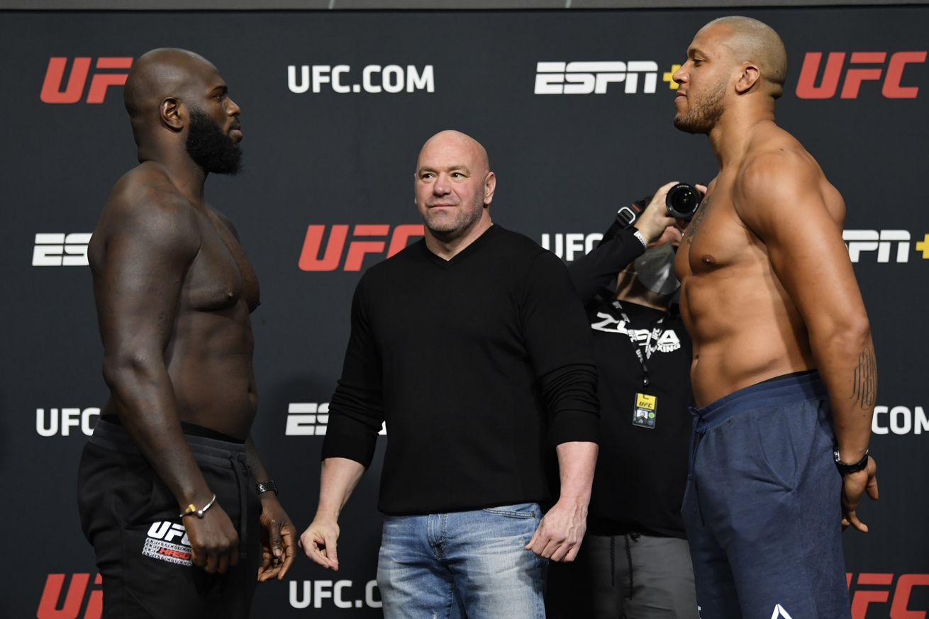 UFC Fight Night Rozenstruik v Gane: Weigh-Ins