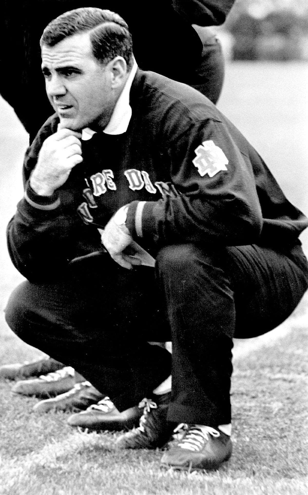 Ara Parseghian, who led Notre Dame to 2 national football championships, dies at 94