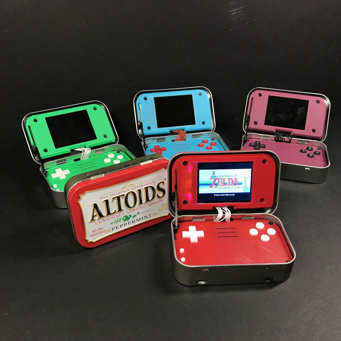 This Raspberry Pi game emulator disguised as an Altoids tin