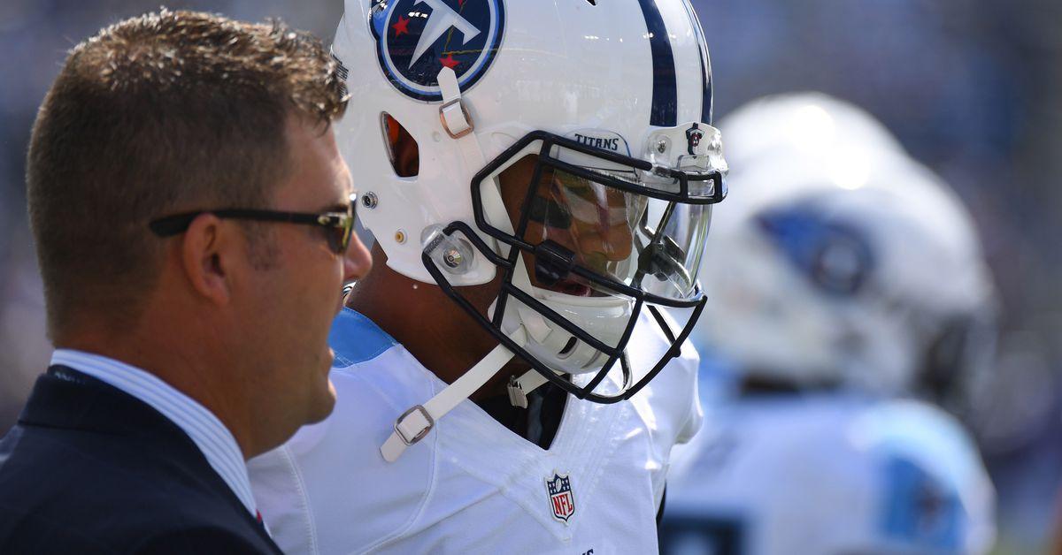 Jon Robinson stresses to Marcus Mariota to avoid the big hit