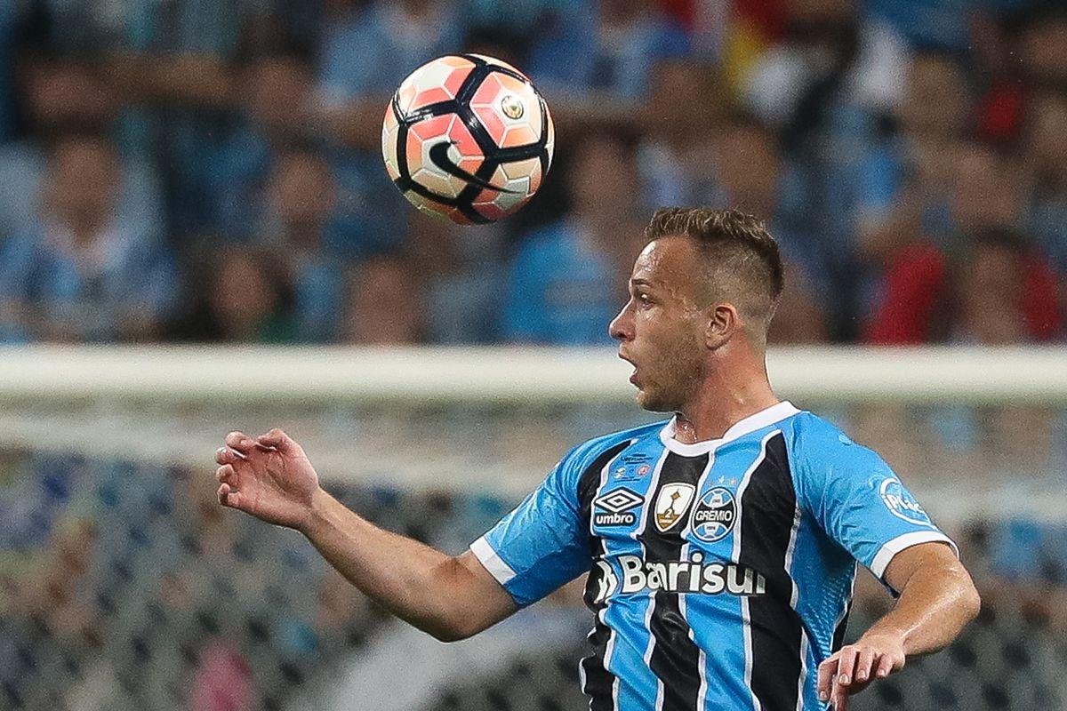 Gremio v Lanus - Copa Bridgestone Libertadores 2017 Final
