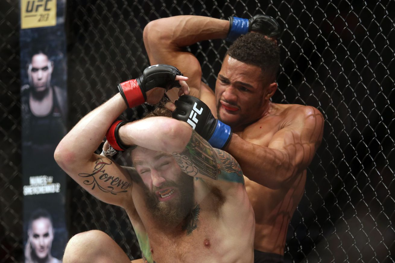 community news, Kevin Lee had no idea he finished Michael Chiesa on poop stain