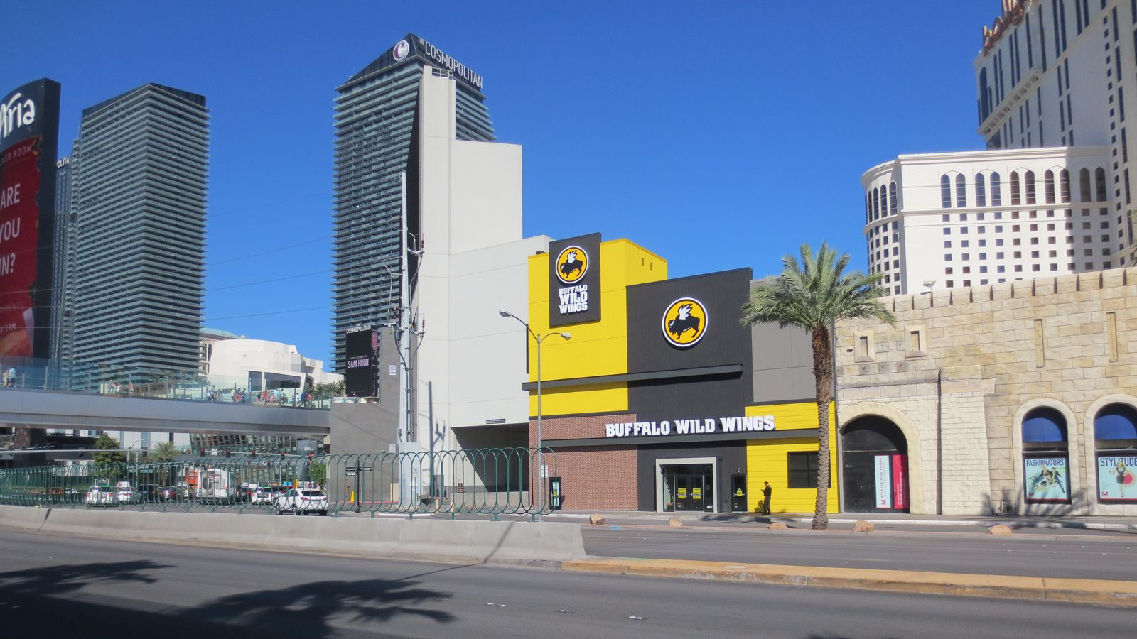 Buffalo Wild Wings Infiltrates The Strip On Monday Eater