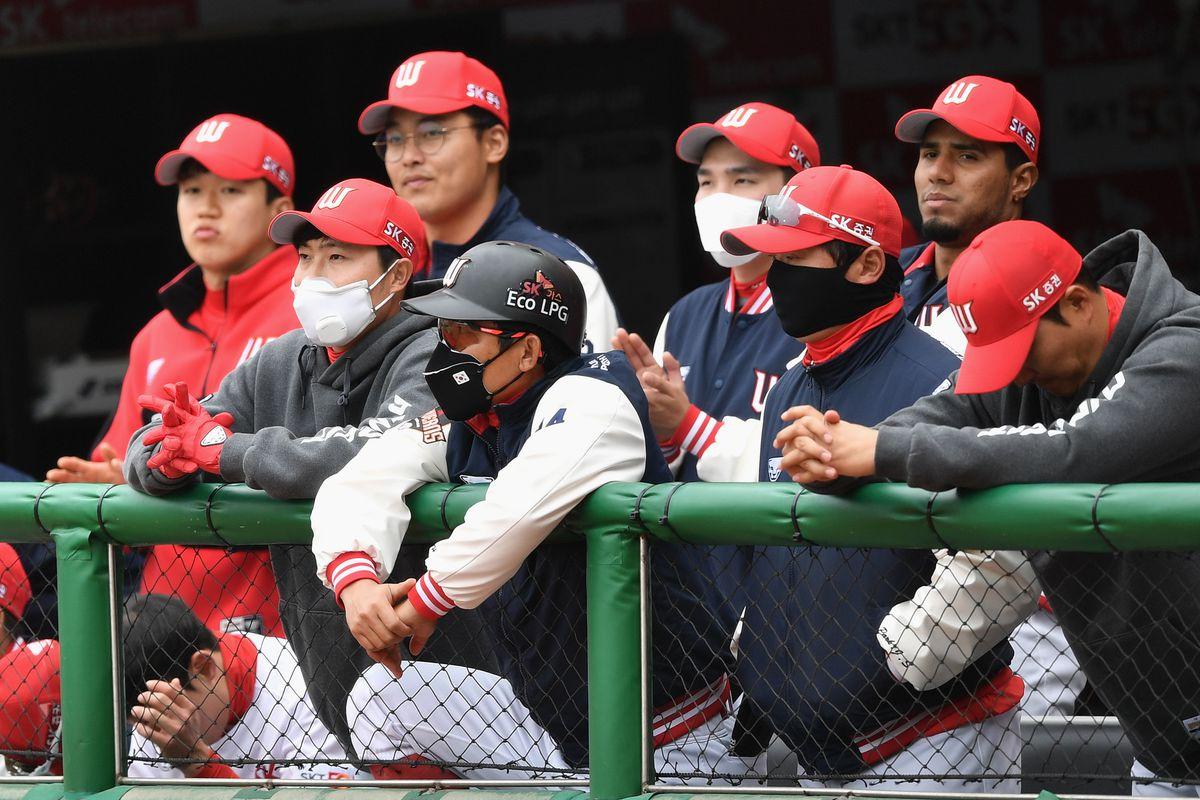 baseball-KOR-SKOREA-health-virus