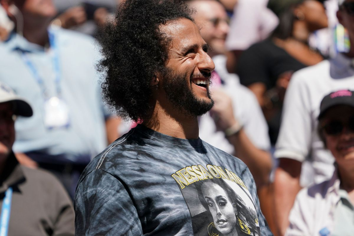 Former NFL quarterback Colin Kaepernick has offered to help with legal aid for people protesting the death of George Floyd.