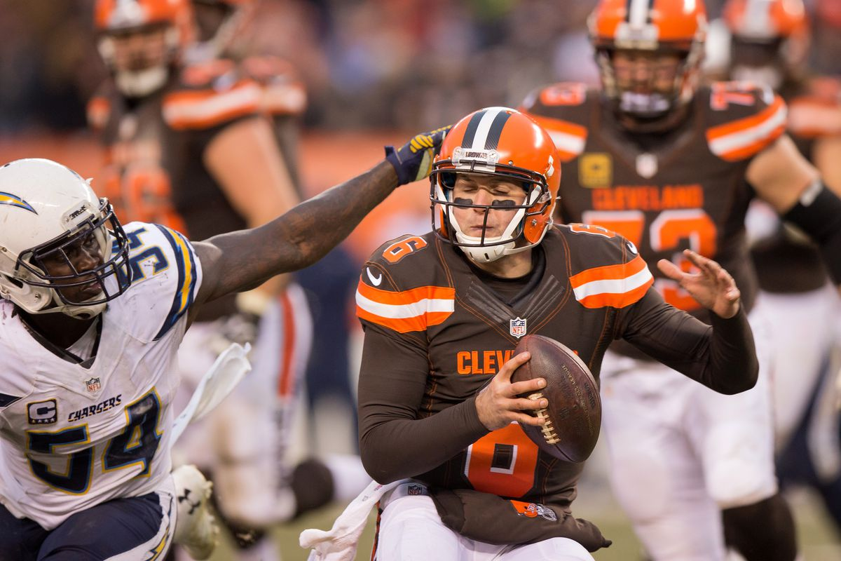 NFL: DEC 24 Chargers at Browns