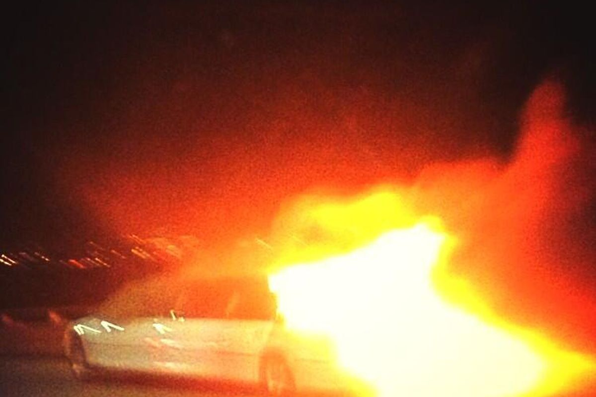 "Image via <a href=""http://www.breakingnews.com/item/ahZzfmJyZWFraW5nbmV3cy13d3ctaHJkcg0LEgRTZWVkGIzW0w4M/2013/05/05/photo-limo-on-fire-on-a-bridge-in-san-francisco-5-reported-dead-vi"">BreakingNews</a>"
