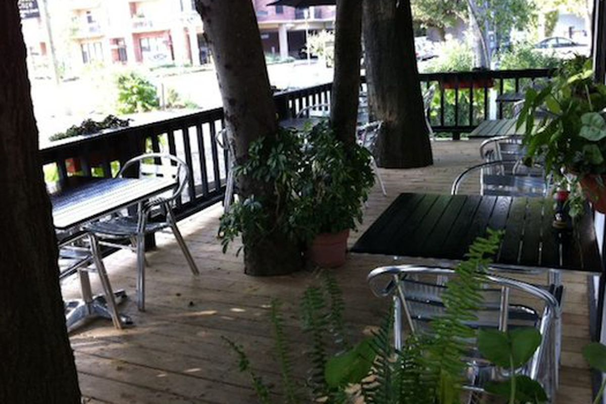 The patio at Blue Fish House.
