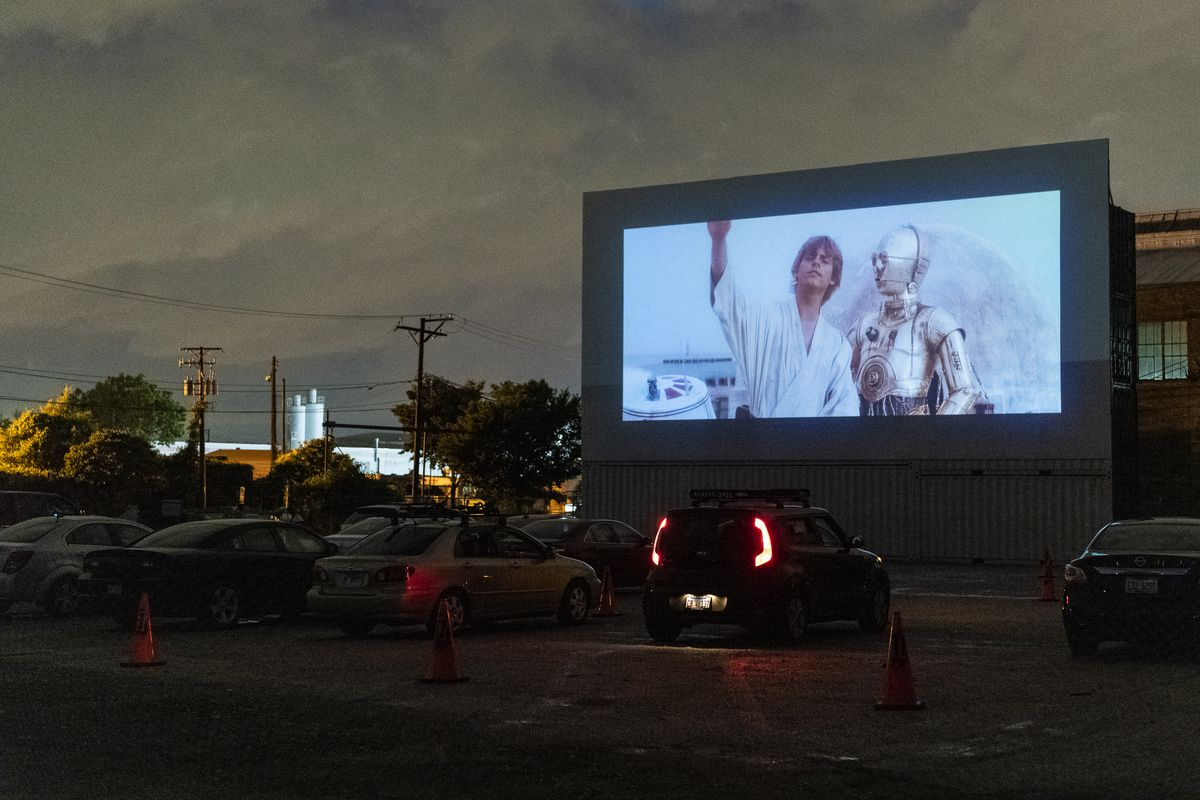 Drive In Movie Theaters Open In Chicago Bridgeview More On The Way Chicago Sun Times