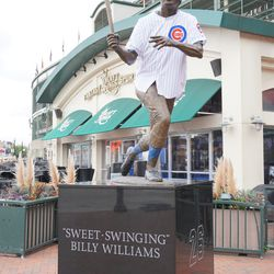 Billy Williams statue with jersey