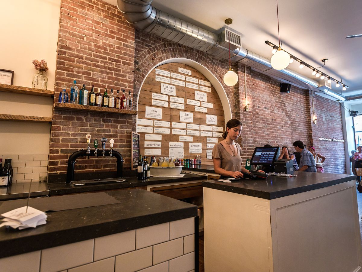 Step Inside Saint-Henri Star Sumac on a Friday at Lunchtime