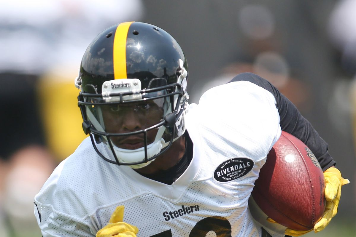 788d65fed61 Steelers Injury Report  JuJu Smith-Schuster leaves practice with leg  injury