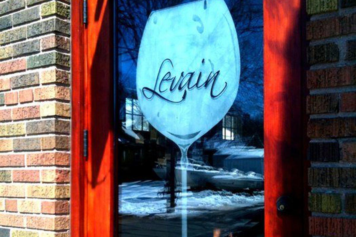 Cafe Levain has closed.
