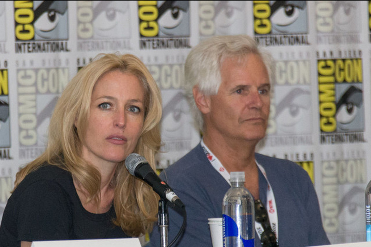 X Files And Hannibal Actor Gillian Anderson Took Part In A Reddit Question Answer Session To Promote Her New Book Of Course Fans Asked About The