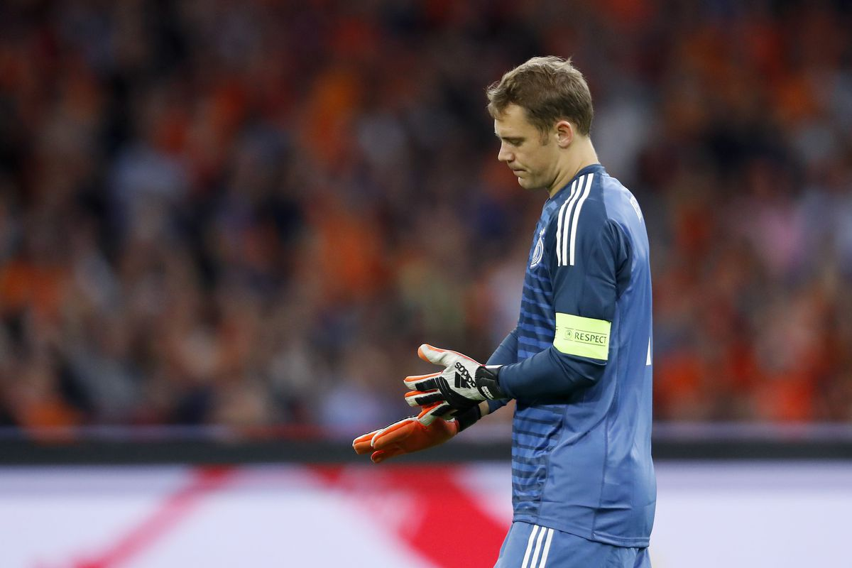 outlet store 54bf3 d1c91 The decline of Manuel Neuer: Bayern Munich, Germany should ...