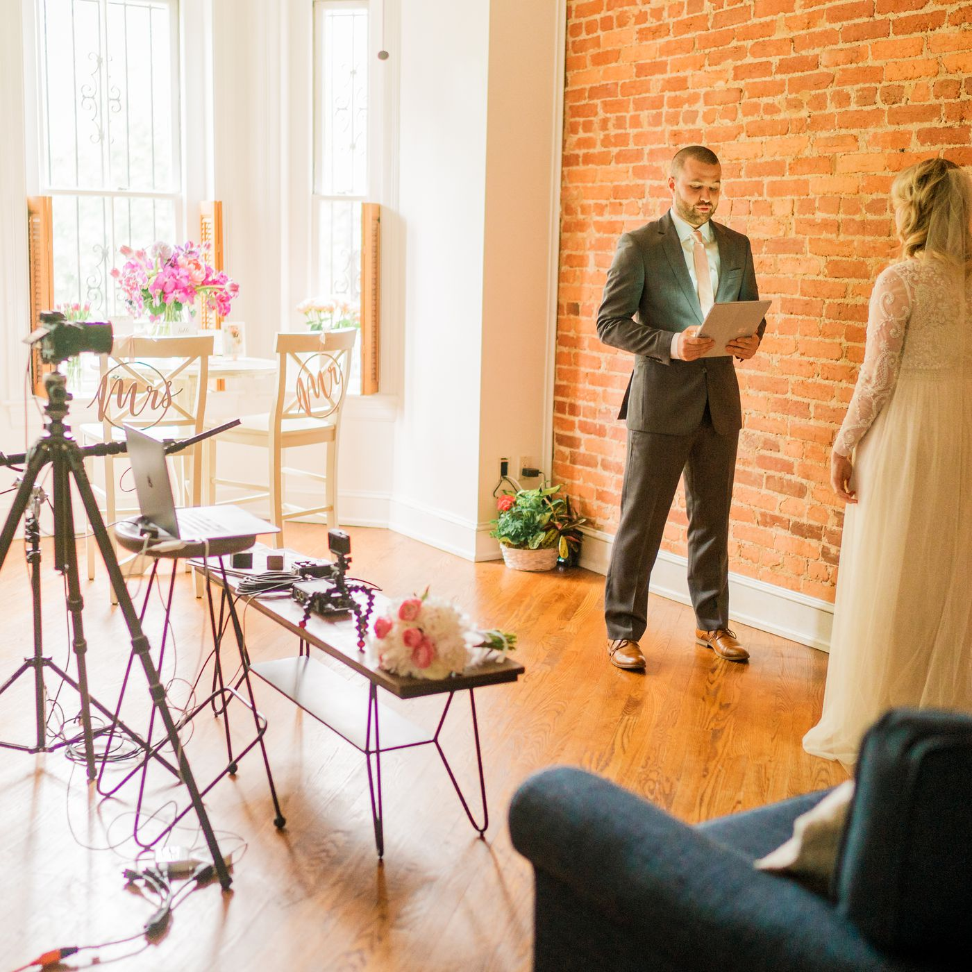 Virtual weddings during quarantine: Couples share their stories - Vox