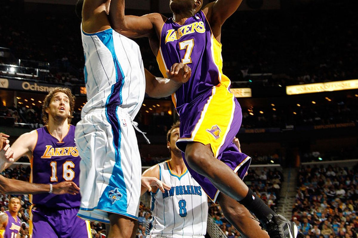 Lamar Odom had a game-high 24 points and led the Lakers in defeating the New Orleans Hornets 103-88, snapping their three-game losing streak. (<em>Photo: Chris Graythen | Getty Images</em>)