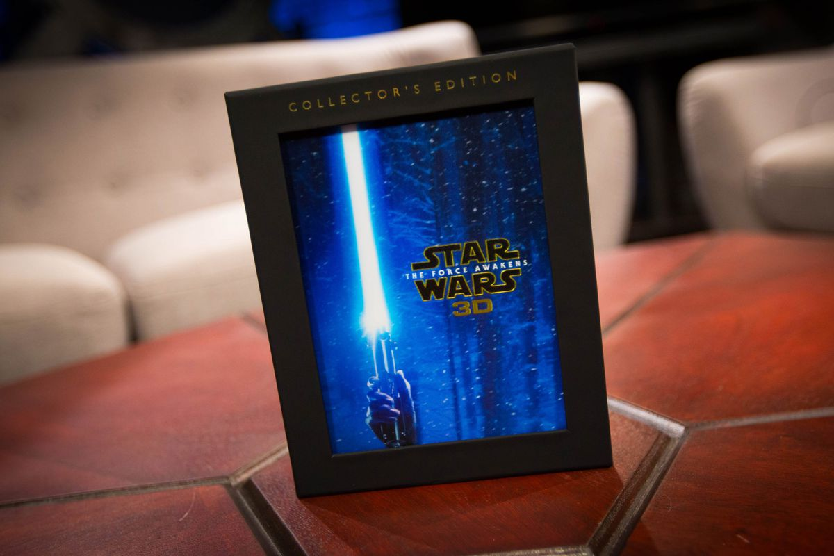 Star Wars: The Force Awakens 3D Collector's Edition packaging