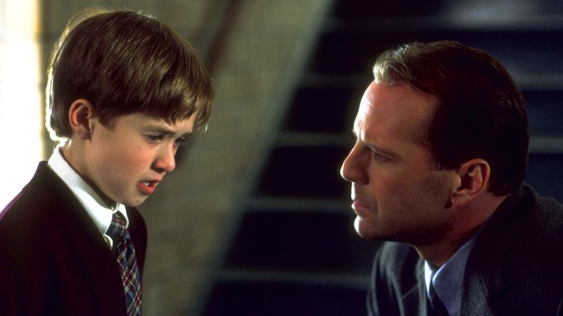 The Sixth Sense Bruce Willis is dead.