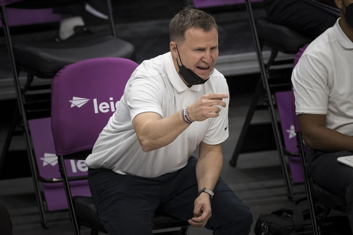 Head coach Scott Brooks of the Washington Wizards reacts during the second half of the game against the Cleveland Cavaliers at Capital One Arena on May 14, 2021 in Washington, DC.