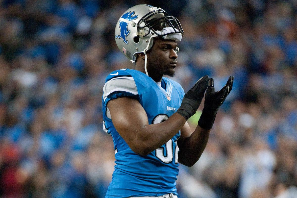 Cliff Avril explains why he rejected offer from Lions last year