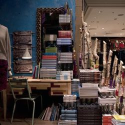 """Nerd out with your books out. <a href=""""http://www.windowswear.com/image/4369/"""">Anthropologie, London, October</a>"""
