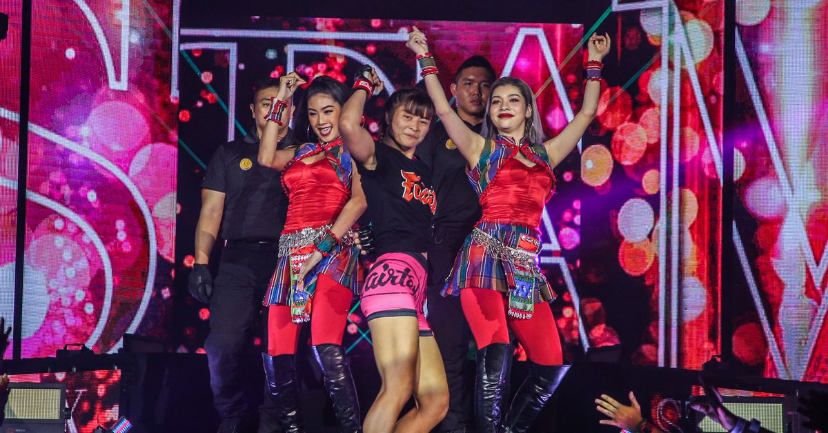 Missed Fists: Everybody dance now with Stamp Fairtex, more