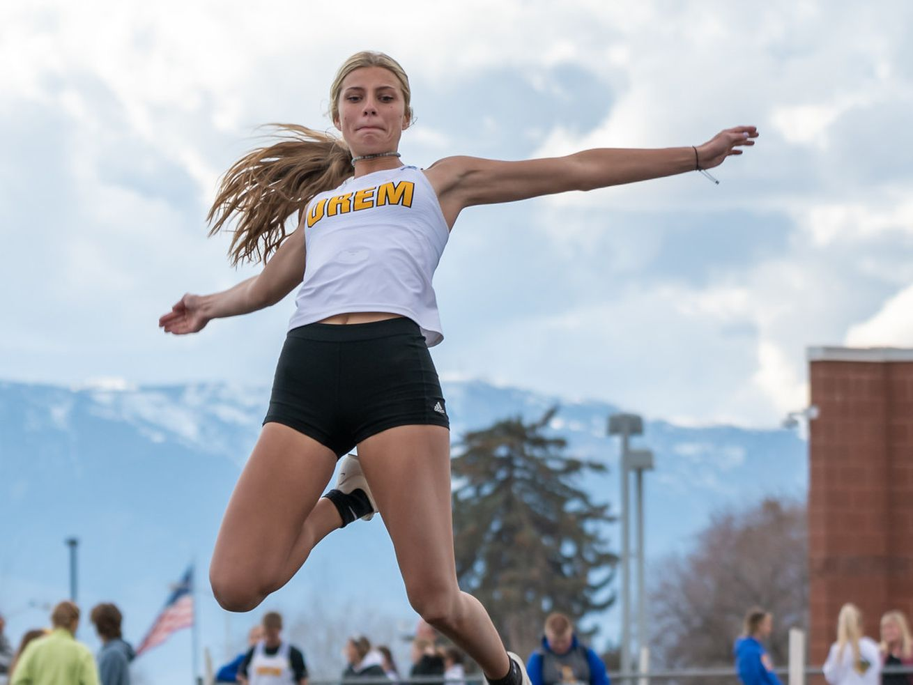 High school sports 20 for 20: Pursuit of state long jump record on hold for Orem's Taye Raymond, maybe forever