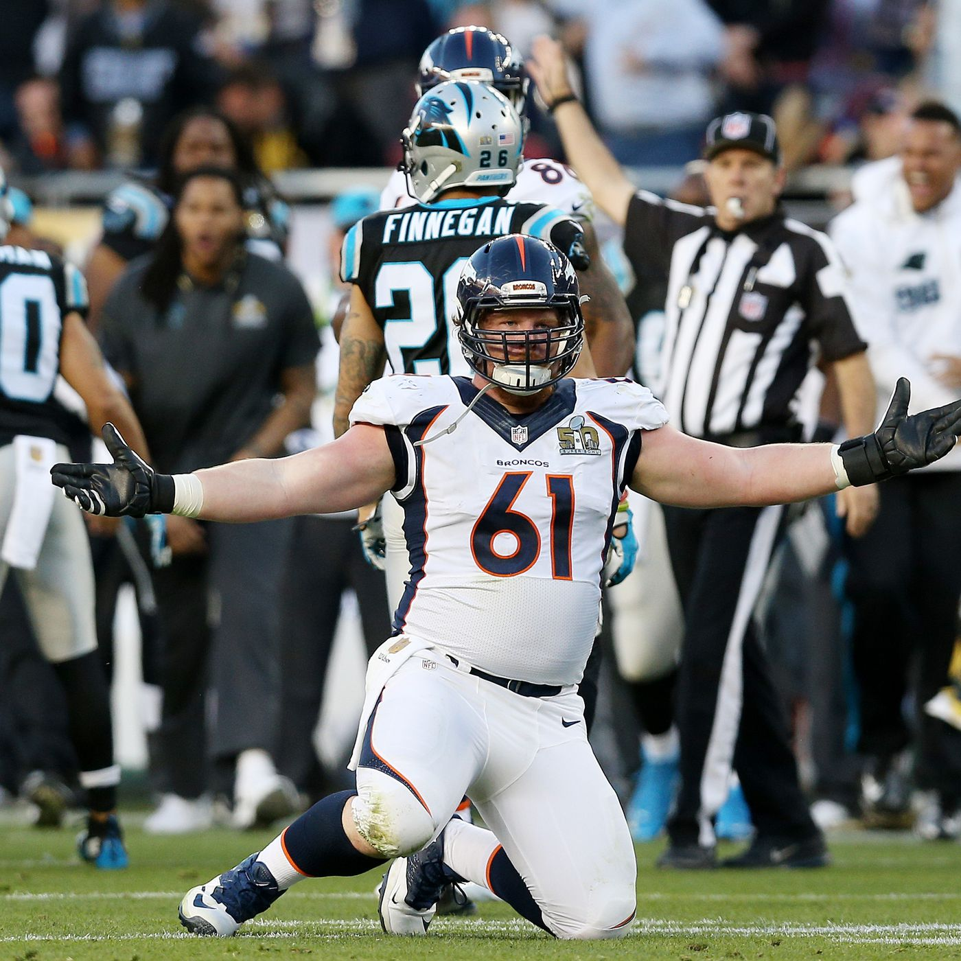 7e1c9d665a1 Broncos free-agent target  Center Matt Paradis - Mile High Report