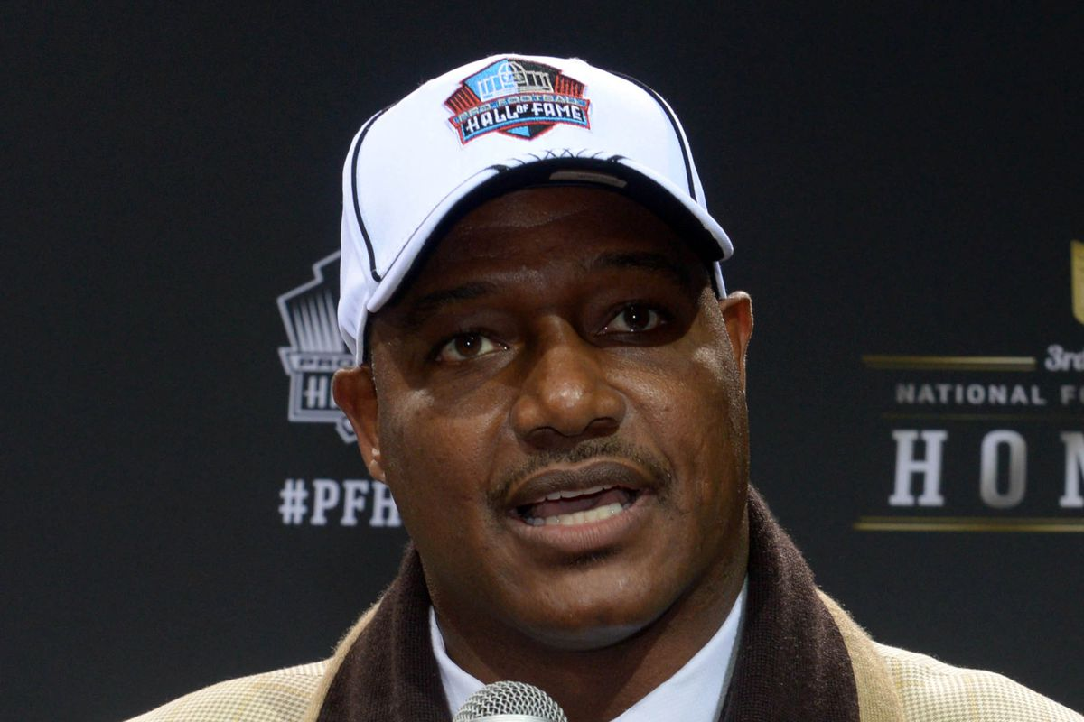 Buccaneers Announce Derrick Brooks Bobblehead For Ring Of Honor Weekend Bucs Nation