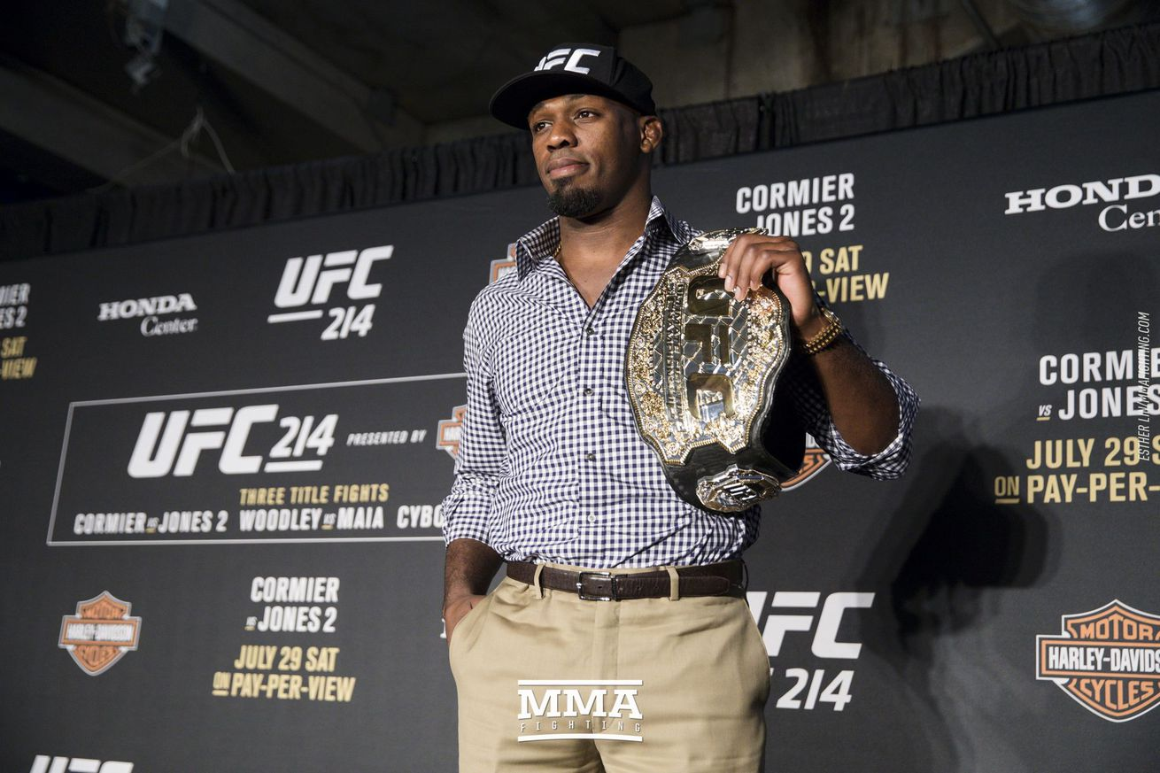 community news, Morning Report: Jon Jones wants peace with Daniel Cormier: 'It was tough to watch him cry'